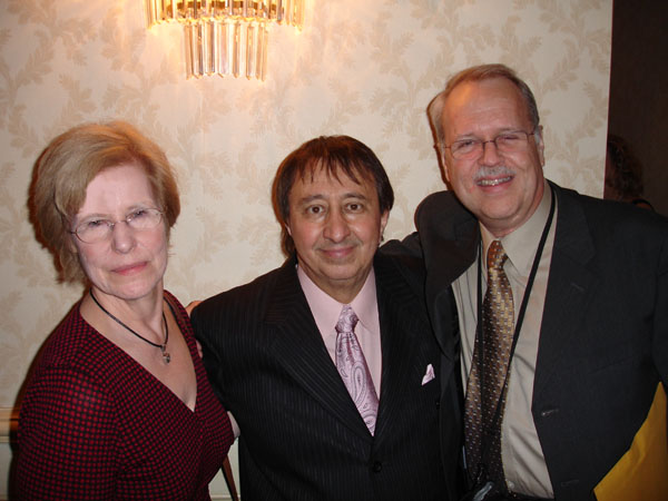 Ronnie I (president of UGHA) with Pam & Charlie, 2007