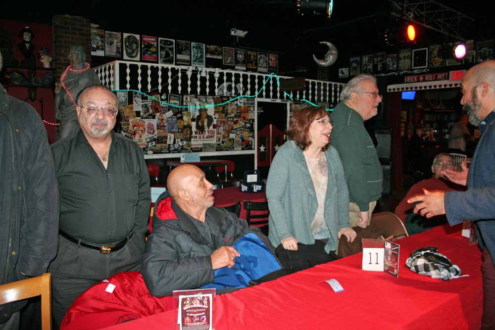 Frank Cicerale (Re-Memberthen), Gaynel, Lynn & Alan David Stein (WMTR).  Photo by Marian Cicerale.