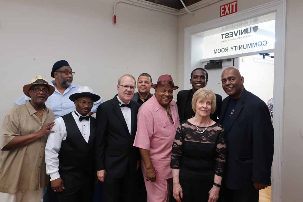 Pam & Charlie, De'Sean Dooley, Ali Hackett & Quiet Storm at the reception